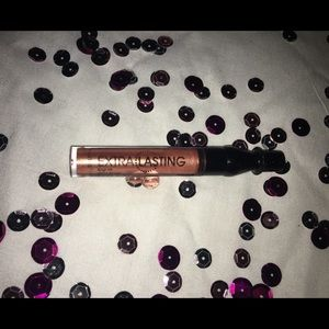 Other - NWT long lasting lip gloss
